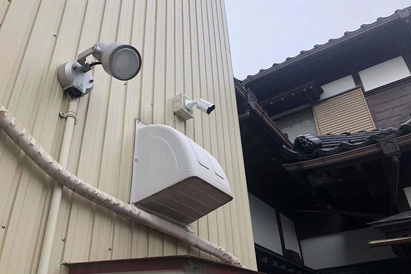 富山市O邸 防犯カメラ・センサーライト設置